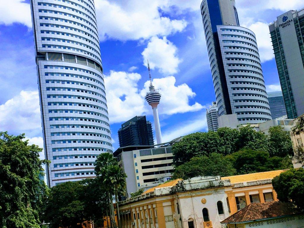 マレーシアの雨季の風景